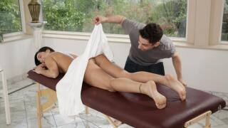 FamilyHookups – Stepsibling Massage Reversal – Karlee Grey, Brad Knight