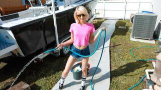 ExxxtraSmall – Big Boats, Small Hoes – Alice Pink, J Mac