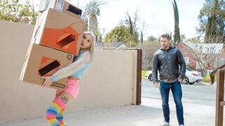 ExxxtraSmall – The Masking Tape Muff – Chloe Temple, Sam Shock