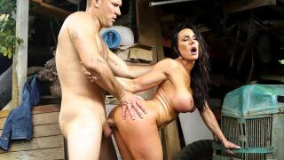 AssParade – Kendra Lust Gets Fucked At the Farm – Kendra Lust, Sean Lawless