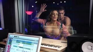 MommyGotBoobs – Cuntry Cock – Richelle Ryan, Xander Corvus