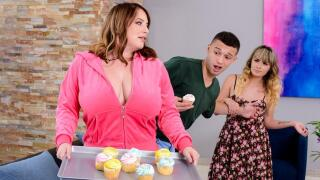 MommyGotBoobs – She's Sneaky Sweet – Maggie Green, Johnny The Kid