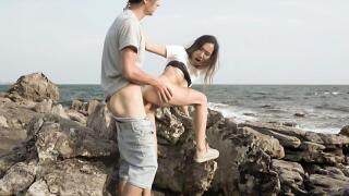 TeamSkeetXLunaXJames – Sex By The Sea – Luna X, James
