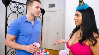 OnlyTeenBlowjobs – Birthday Blow – Violet Myers, Codey Steele