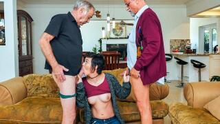BluePillMen – Over 150 years of dick for this sexy brunette! – Sydney Sky, Frankie, Glen