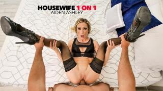Housewife1On1 – Aiden Ashley, Bobby Beefcakes