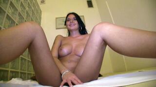 PublicAgent – Huge Tits On This Brunette Means A Heavy Cumshot For Stranger – Mia Manarote, Martin Gun