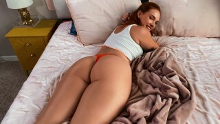 DayWithAPornstar – Siri Gets Caught And Fucked By Her Roomie – Siri Dahl