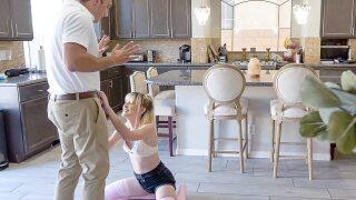 SpyFam – Step Daughter's Instant Orgasm – Jessie Saint, Bobby Beefcakes