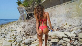 TrueAmateurs – Sexy Teen With Tight Booty Gets Fucked Outdoors – Sativa Booty aka Lana Roy
