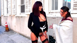 JacquieEtMichelTV – Eloïse, 37 Years Old, Store Manager In Marseille!