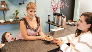MommysGirl – Servicing Mom In Public – Freya Parker, Ryan Keely
