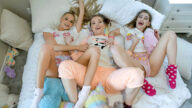 BFFs – Slumber Party Shenannigans – Emma Hix, Katie Kush, Sera Ryder, David Lee