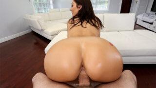 AssParade – Big Ass to Shake – Vivian Taylor, Preston Parker