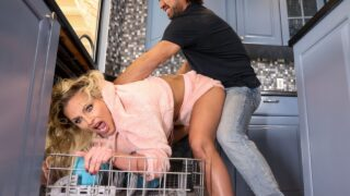 BigButtsLikeItBig – Dishing Out Her Ass – Phoenix Marie, Johnny Castle