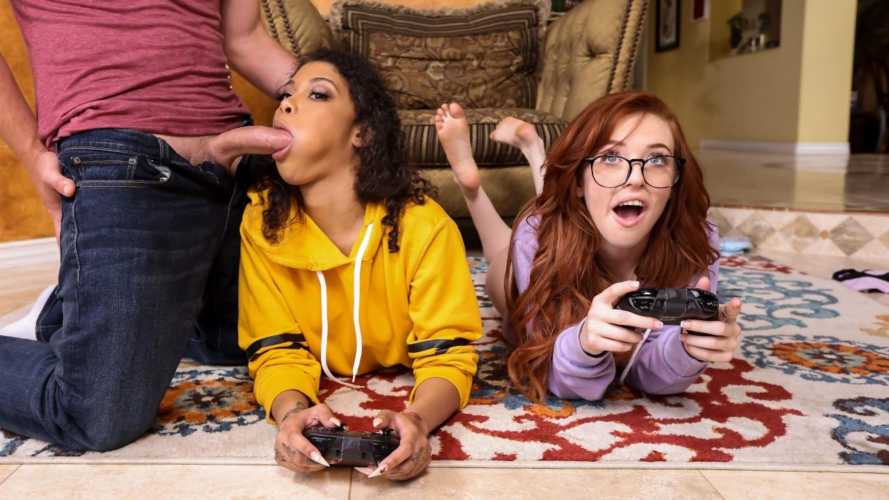 BrazzersExxtra – Gamer Girl Threesome Action – Jeni Angel, Madi Collins, Van Wylde